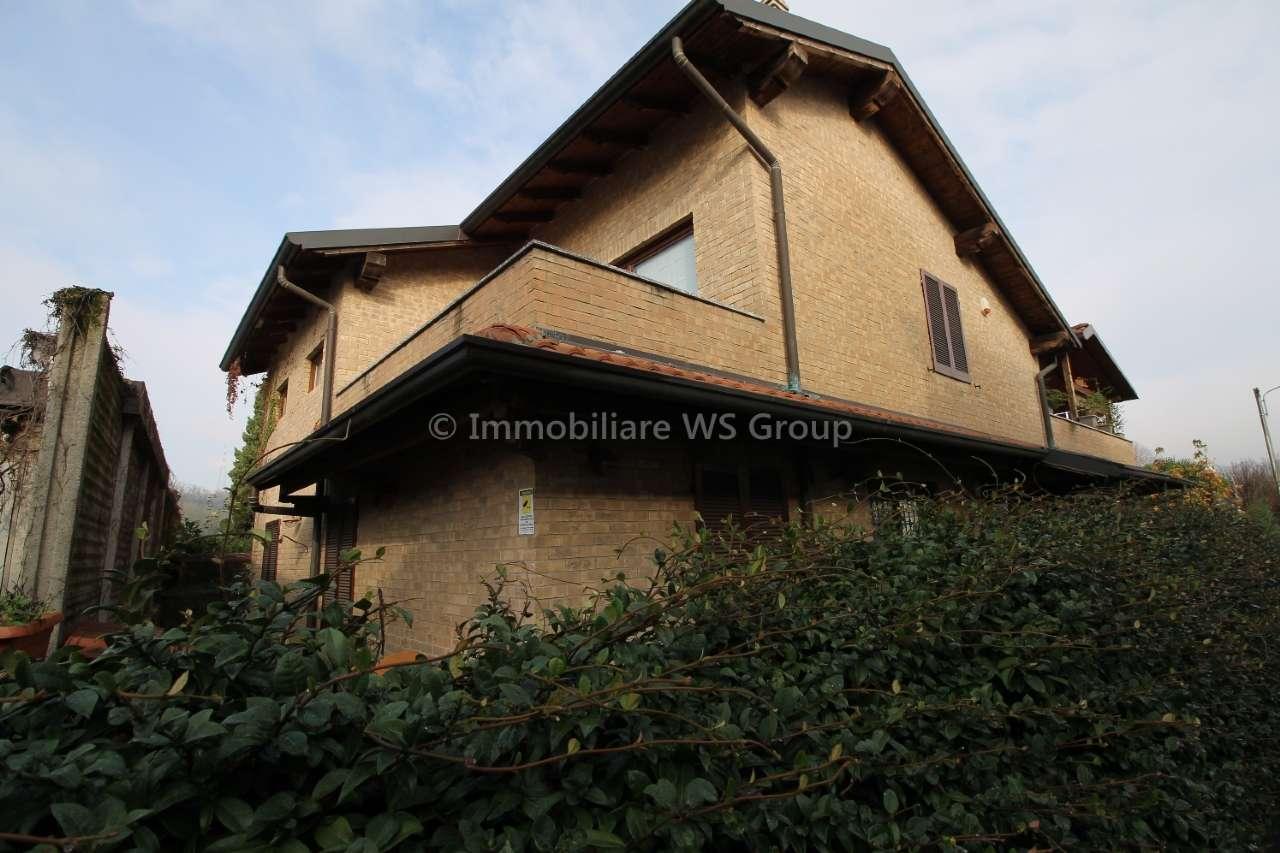 Appartamento in ottime condizioni parzialmente arredato in vendita Rif. 8899332