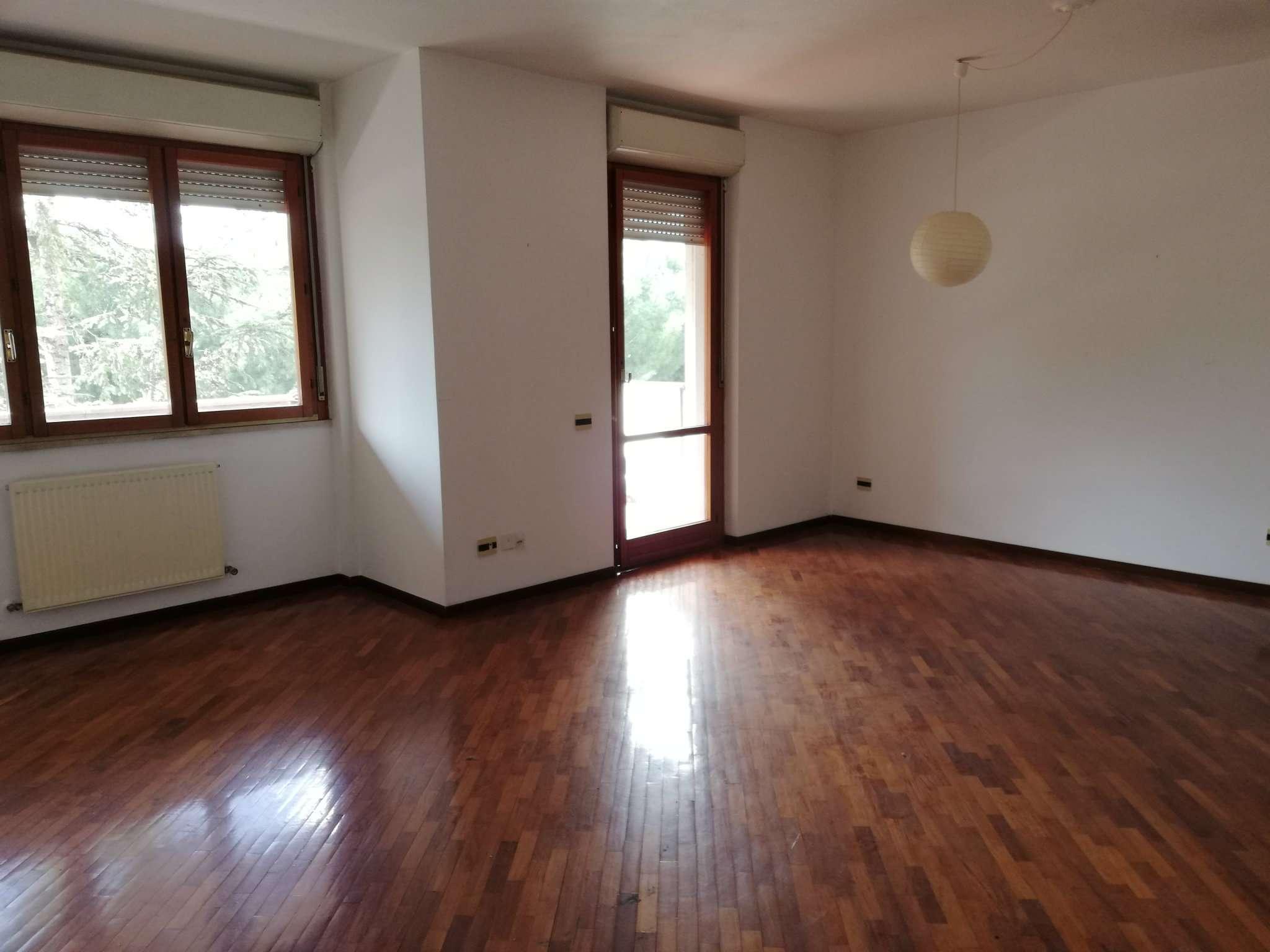 Appartamento in vendita a Roma, 4 locali, zona Zona: 18 . Ardeatino - Grotta Perfetta - Fonte Meravigliosa, prezzo € 395.000 | CambioCasa.it