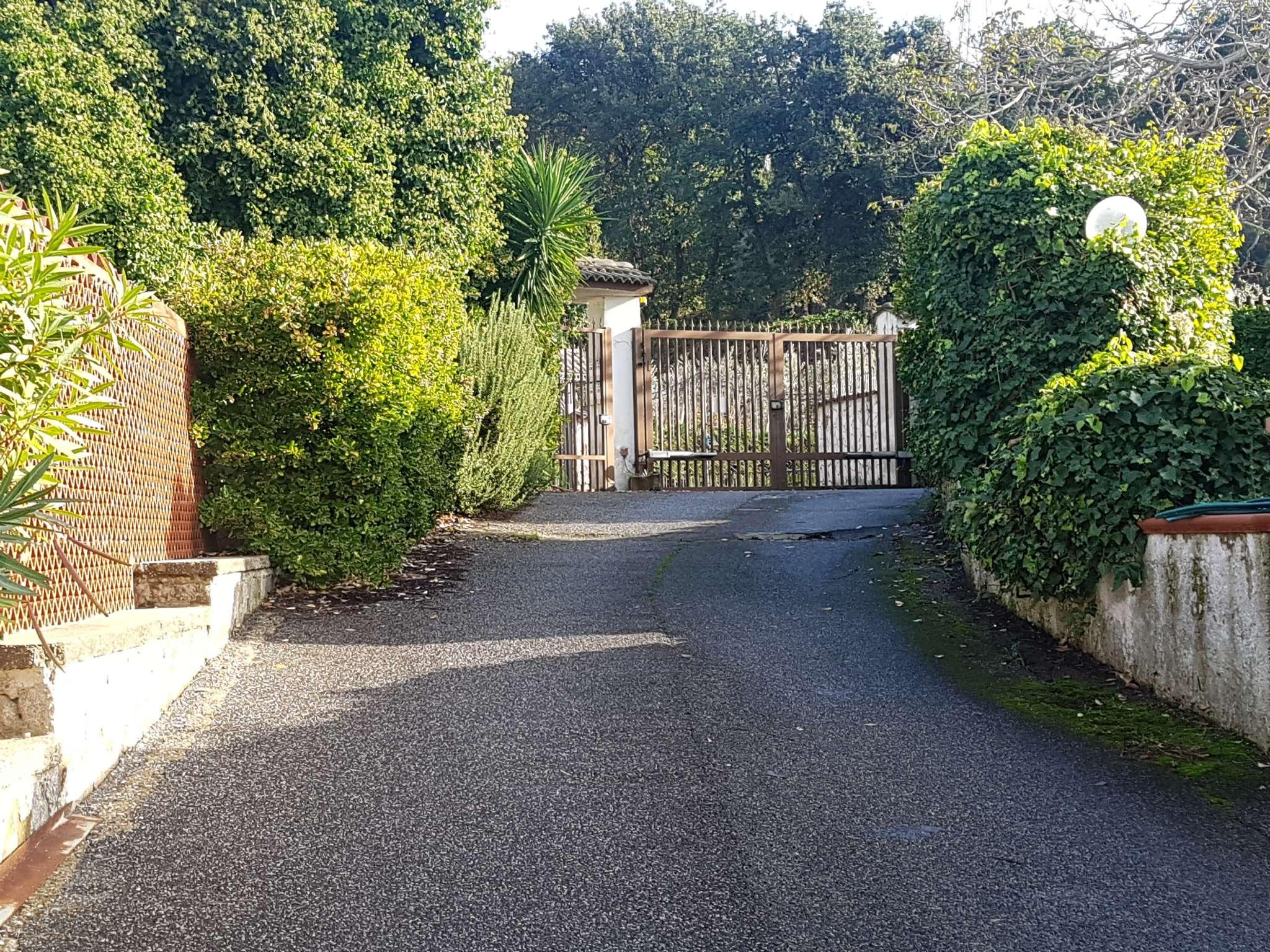 Villa a Schiera in affitto a Pozzuoli, 5 locali, prezzo € 850 | CambioCasa.it