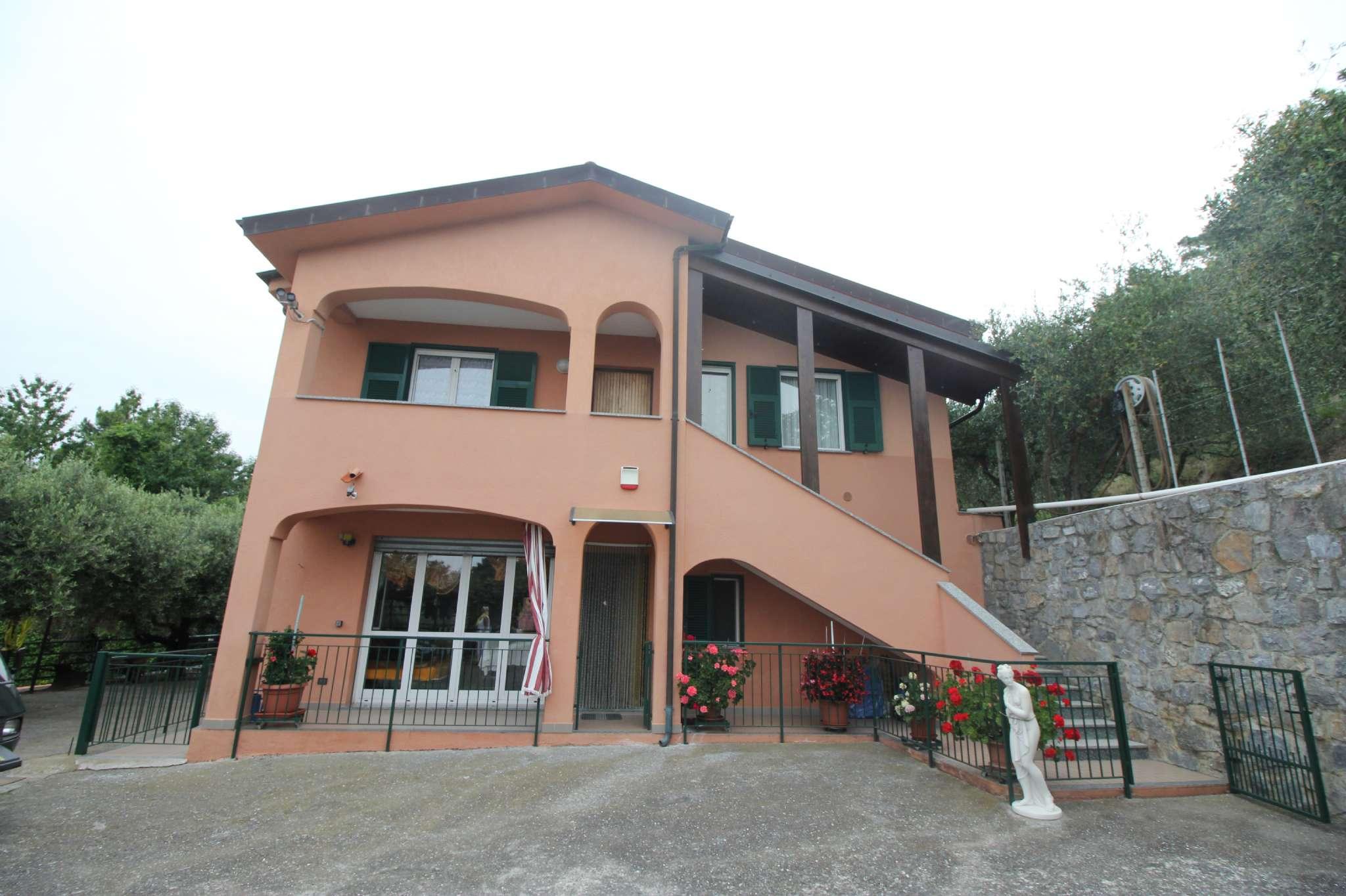 Soluzione Indipendente in vendita a Magliolo, 14 locali, prezzo € 598.000 | CambioCasa.it