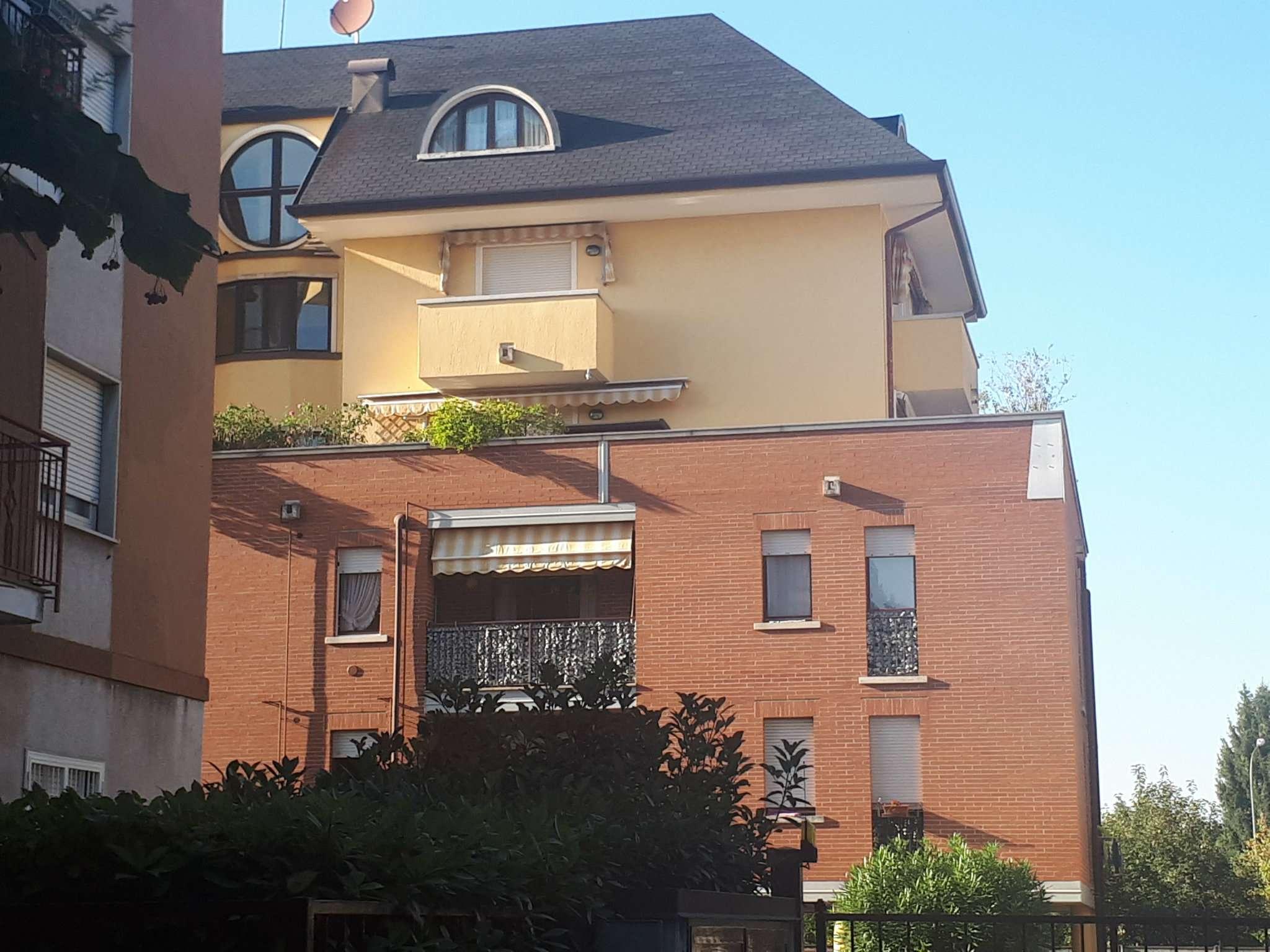 Appartamento in buone condizioni arredato in affitto Rif. 8832696
