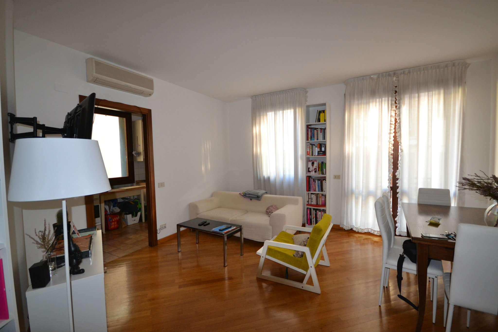 Affittasi appartamento in centro storico con terrazzo