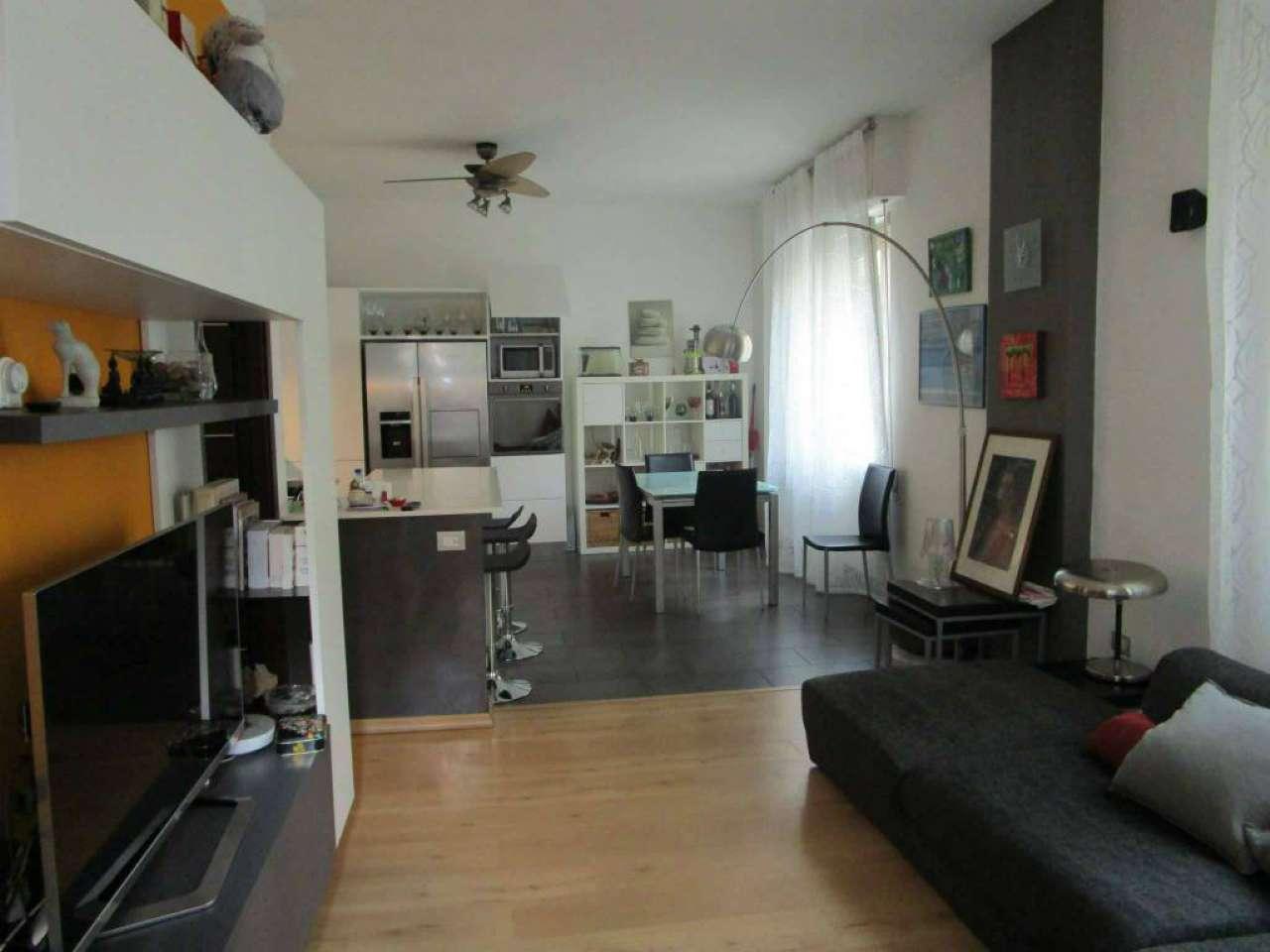 Appartamento in buone condizioni in vendita Rif. 9308173