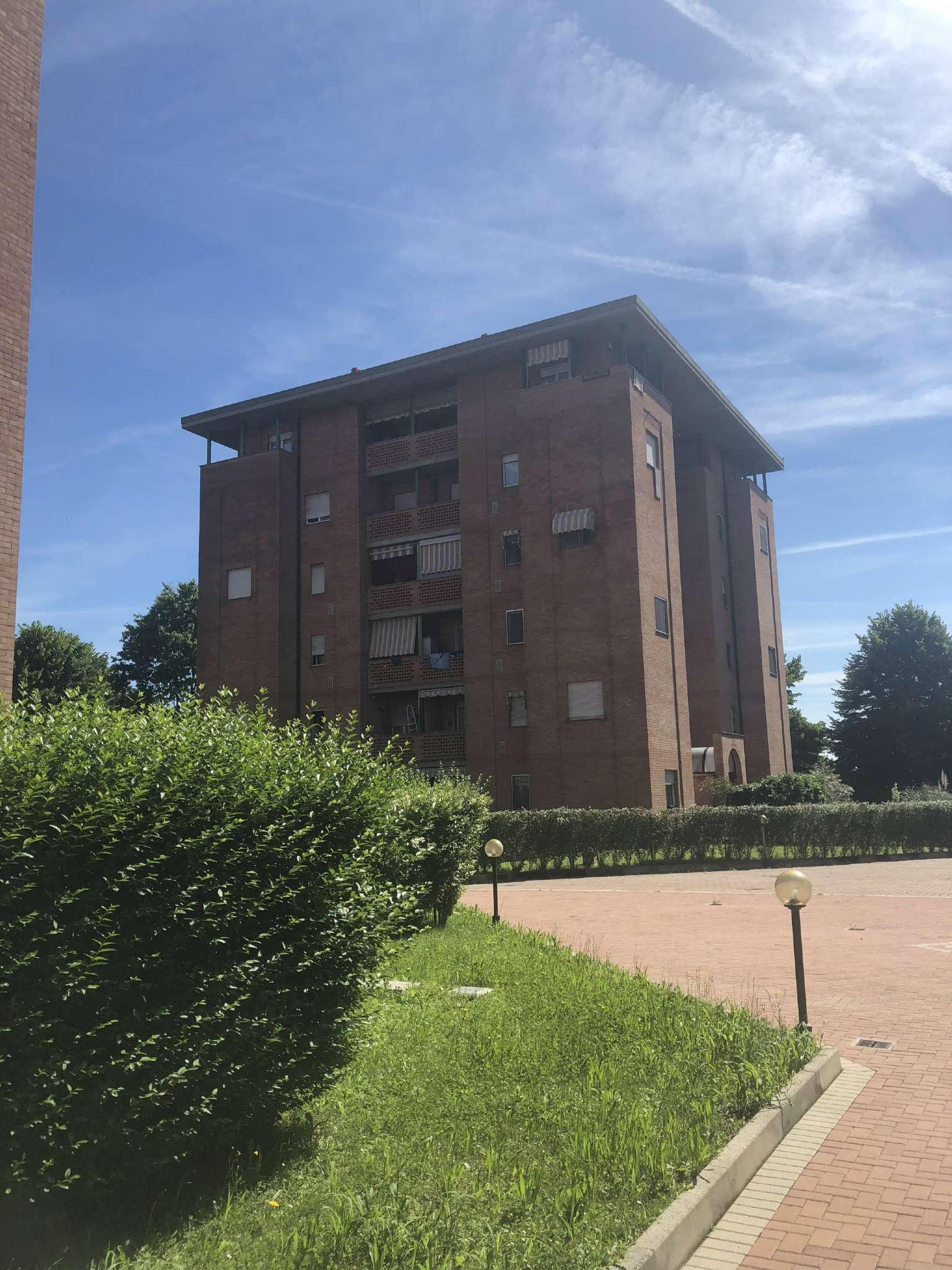 Appartamento in ottime condizioni in affitto Rif. 6909544