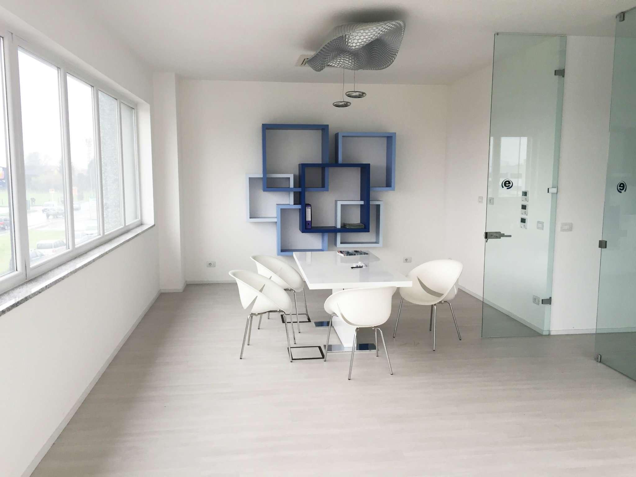 Ufficio / Studio in affitto a Moncalieri, 4 locali, prezzo € 1.200 | PortaleAgenzieImmobiliari.it