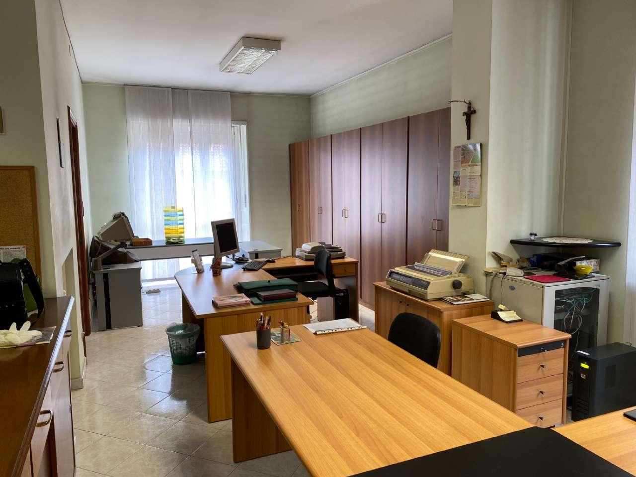 Ufficio / Studio in affitto a Orbassano, 5 locali, prezzo € 1.100 | PortaleAgenzieImmobiliari.it