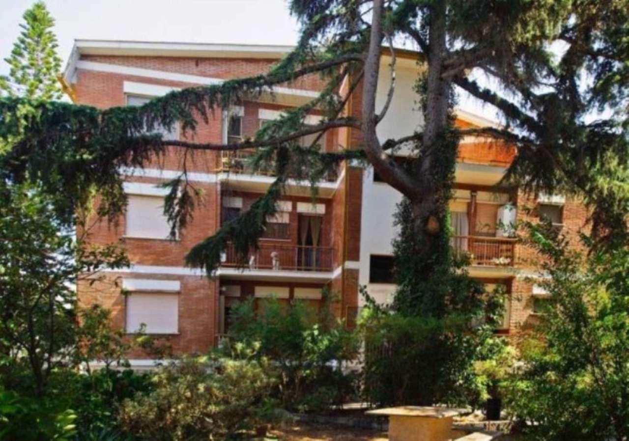 Appartamento in vendita a Sabaudia, 8 locali, prezzo € 195.000   CambioCasa.it