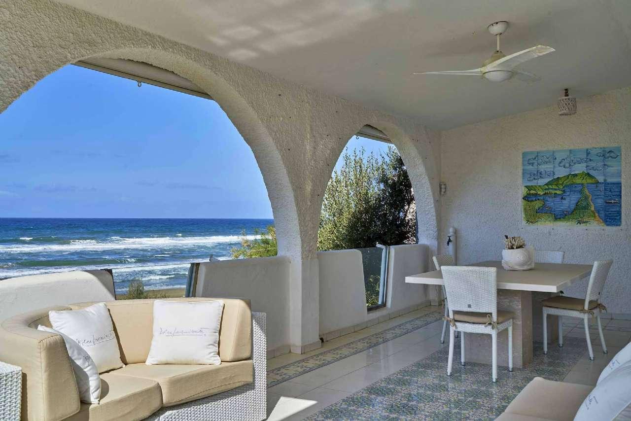 Villa in vendita a Sabaudia, 16 locali, prezzo € 4.400.000   CambioCasa.it