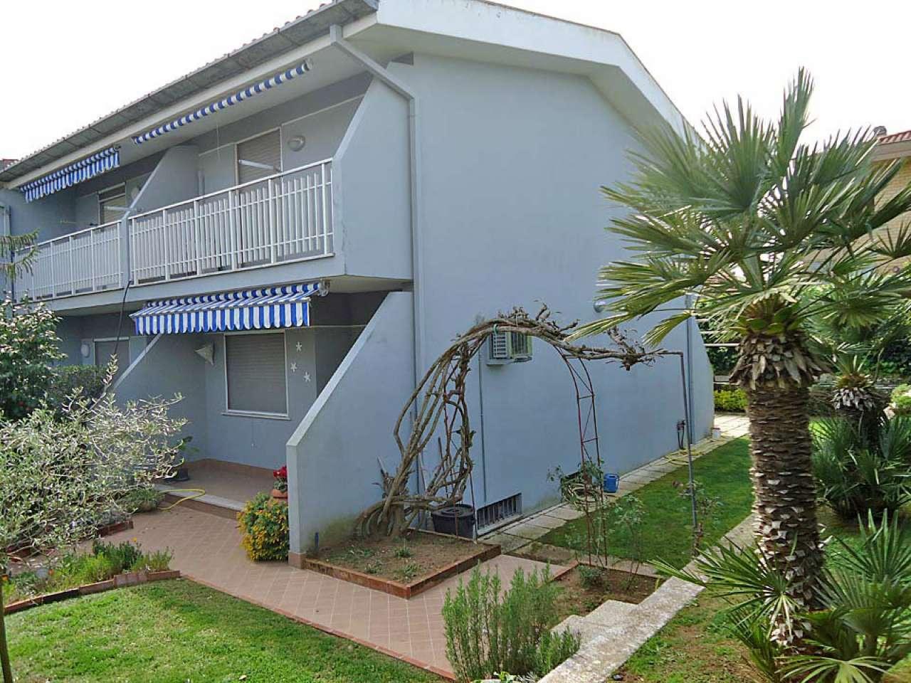 Villa a Schiera in vendita a Sabaudia, 7 locali, prezzo € 260.000   CambioCasa.it