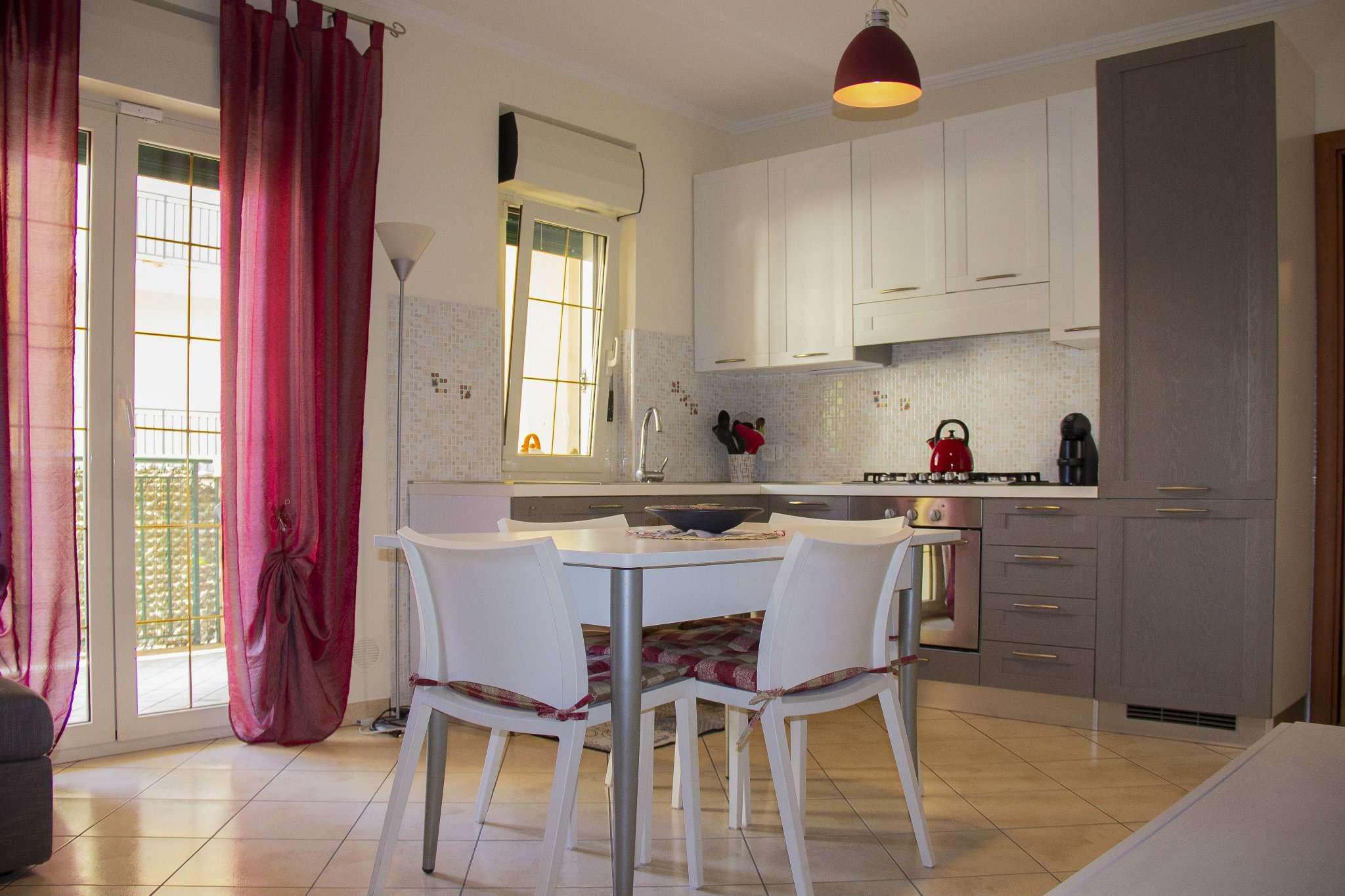 Appartamento in vendita a Sabaudia, 5 locali, prezzo € 180.000   CambioCasa.it