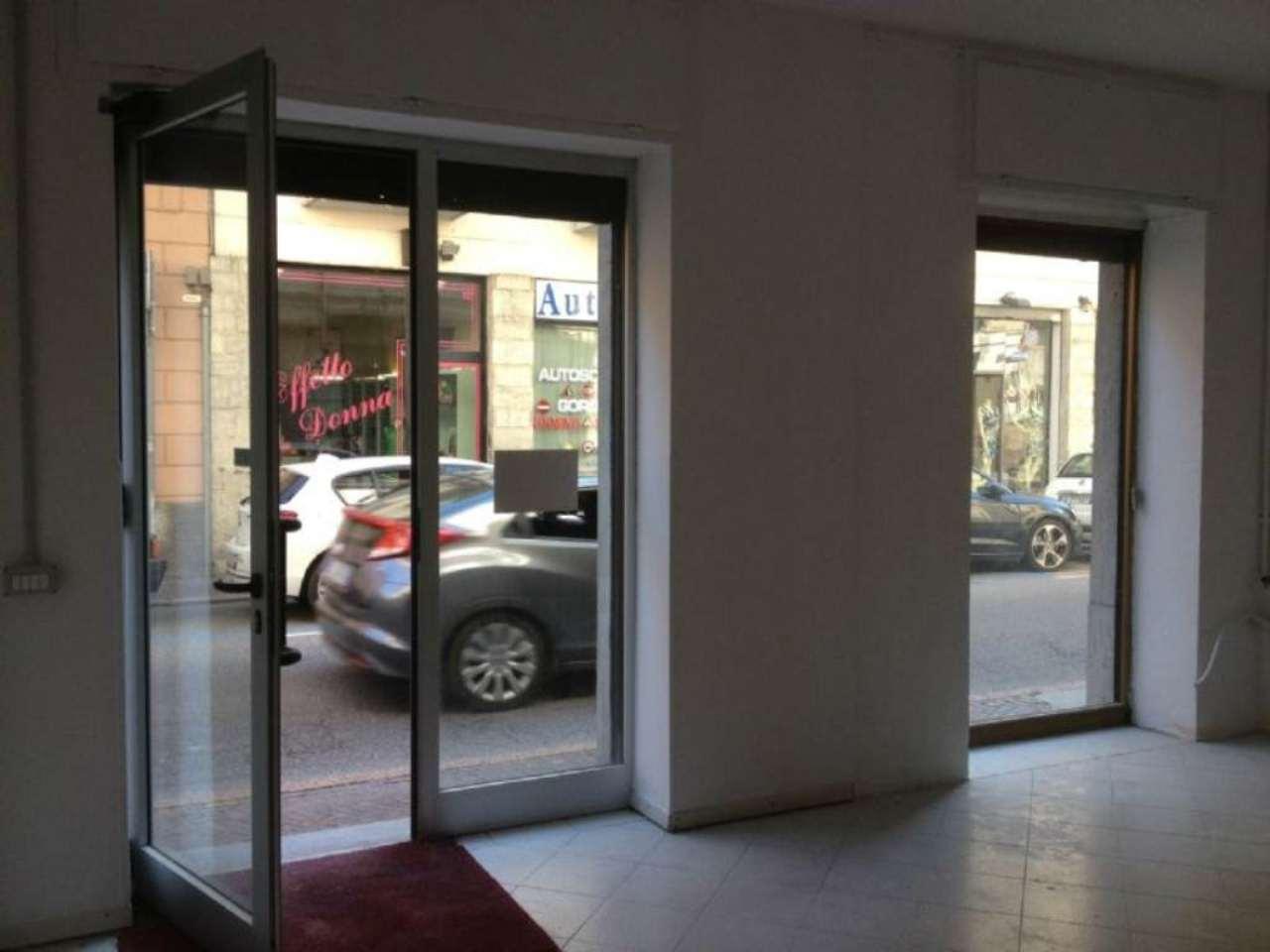 Negozio / Locale in affitto a Gavirate, 2 locali, prezzo € 650 | CambioCasa.it