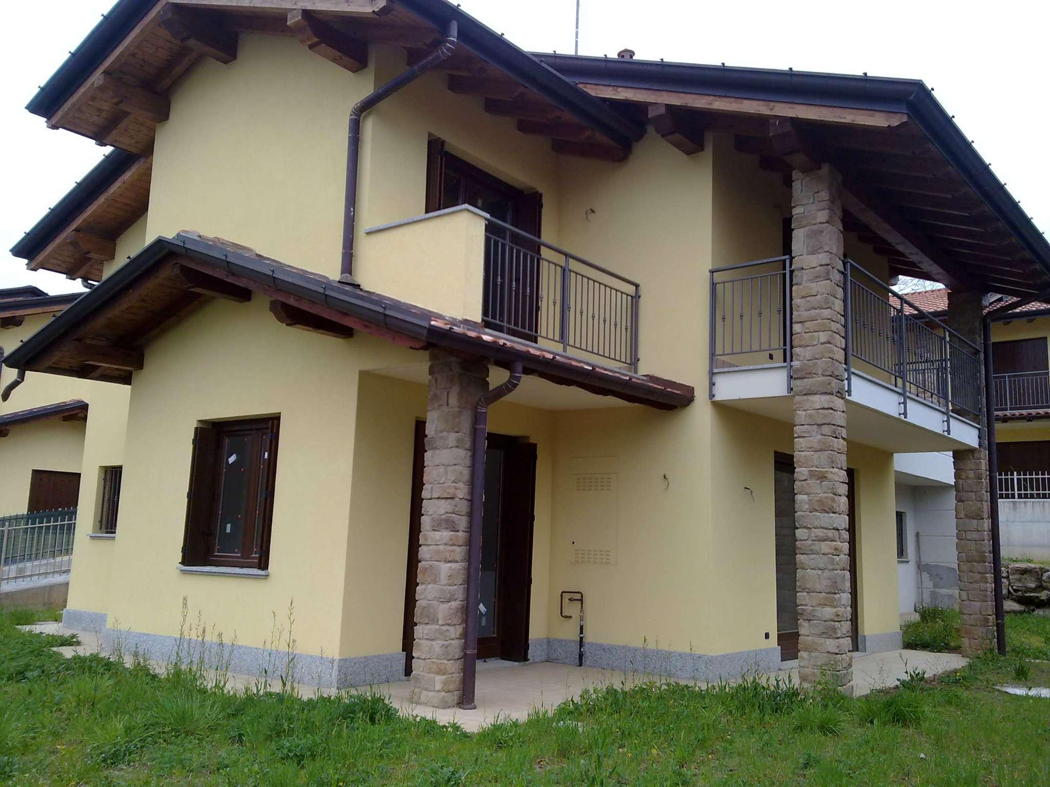 Villa in vendita a Cocquio-Trevisago, 5 locali, prezzo € 298.000 | PortaleAgenzieImmobiliari.it