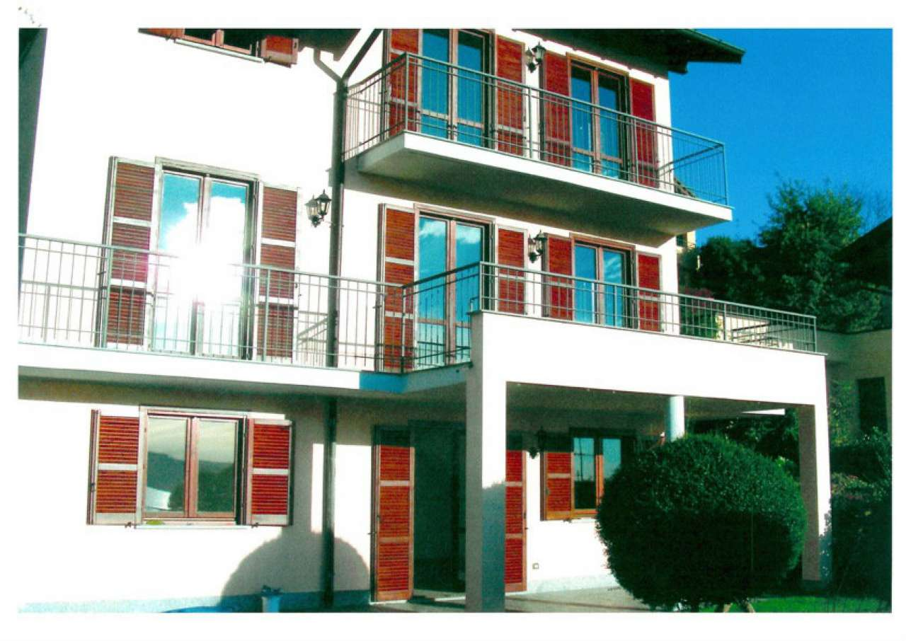 Villa in affitto a Besozzo, 6 locali, prezzo € 1.900 | CambioCasa.it