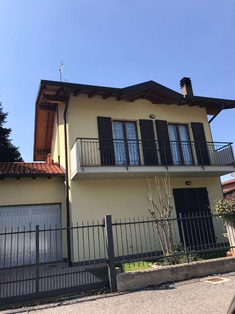 Villa in vendita a Cugliate-Fabiasco, 9 locali, prezzo € 279.000 | CambioCasa.it