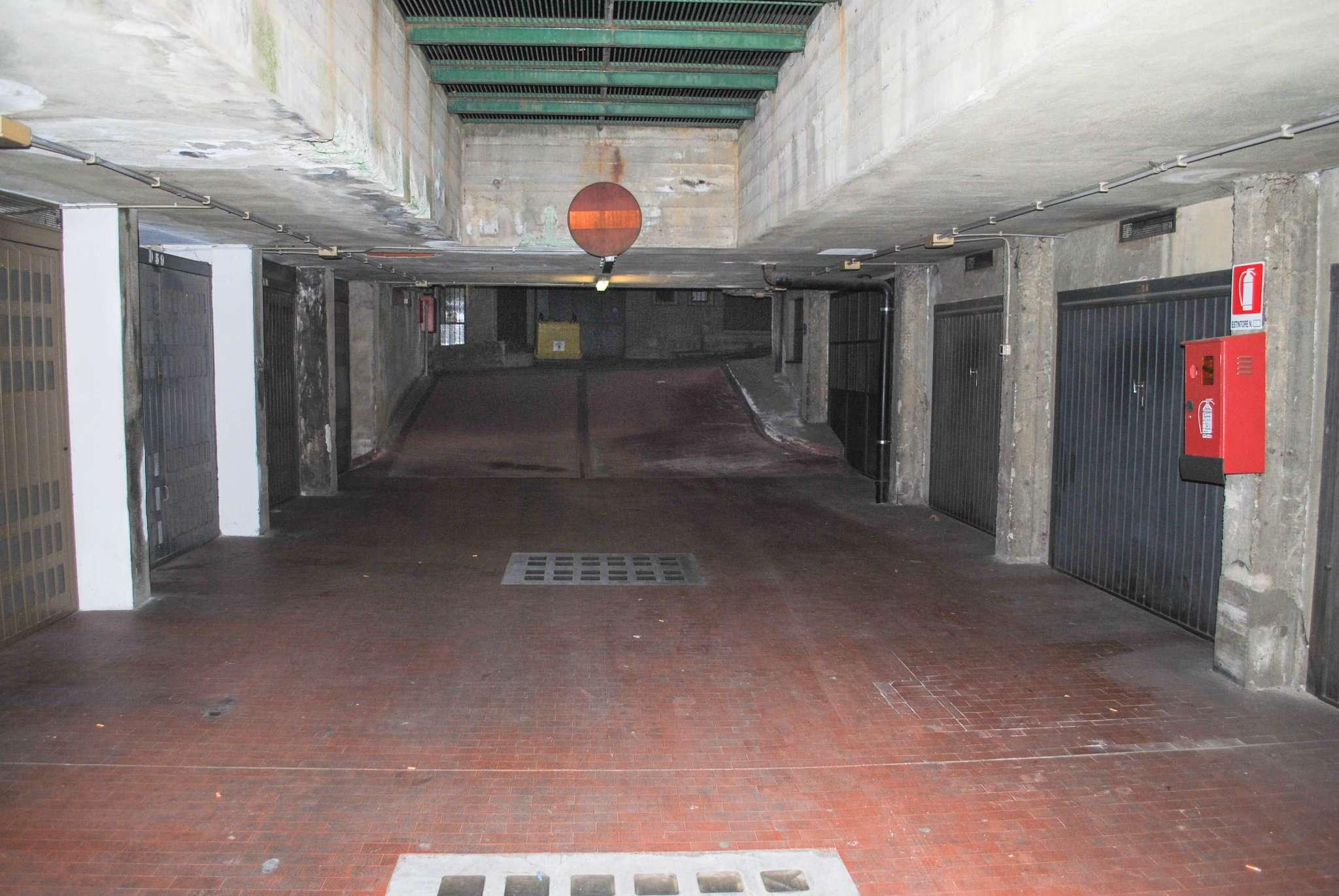 Box garage torino affitto 75 zona 6 lingotto 12 mq for Garage in affitto