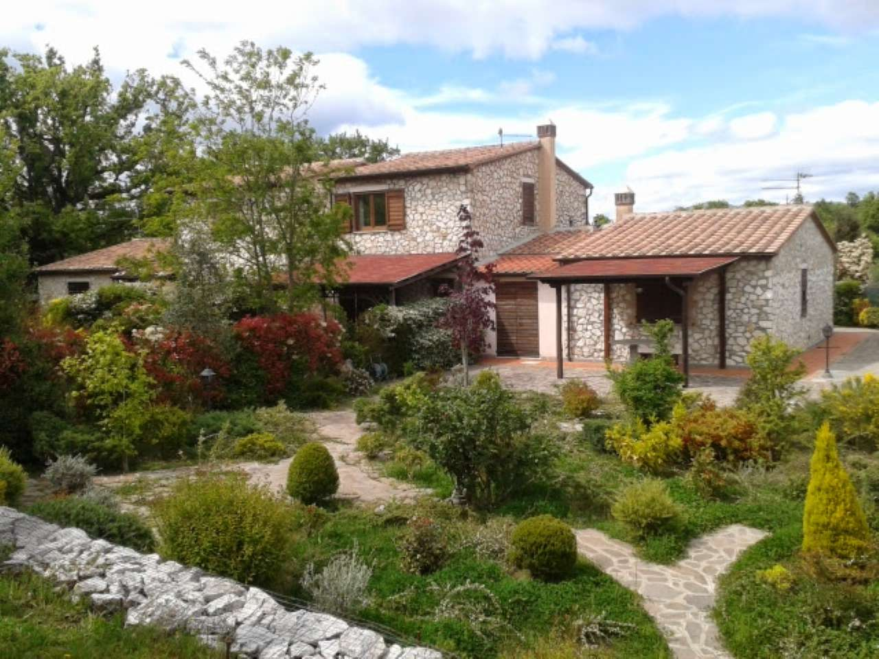 Villa a Schiera in vendita a Semproniano, 4 locali, prezzo € 130.000 | CambioCasa.it