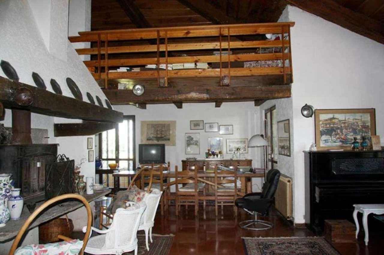 Villa in vendita a Cigognola, 6 locali, prezzo € 700.000   CambioCasa.it