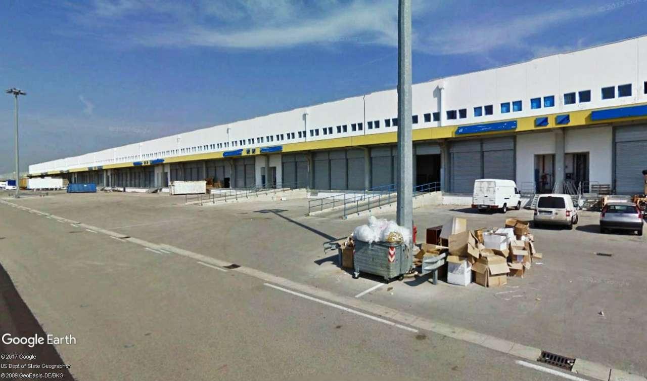 Capannone in vendita a Nola, 12 locali, Trattative riservate | CambioCasa.it