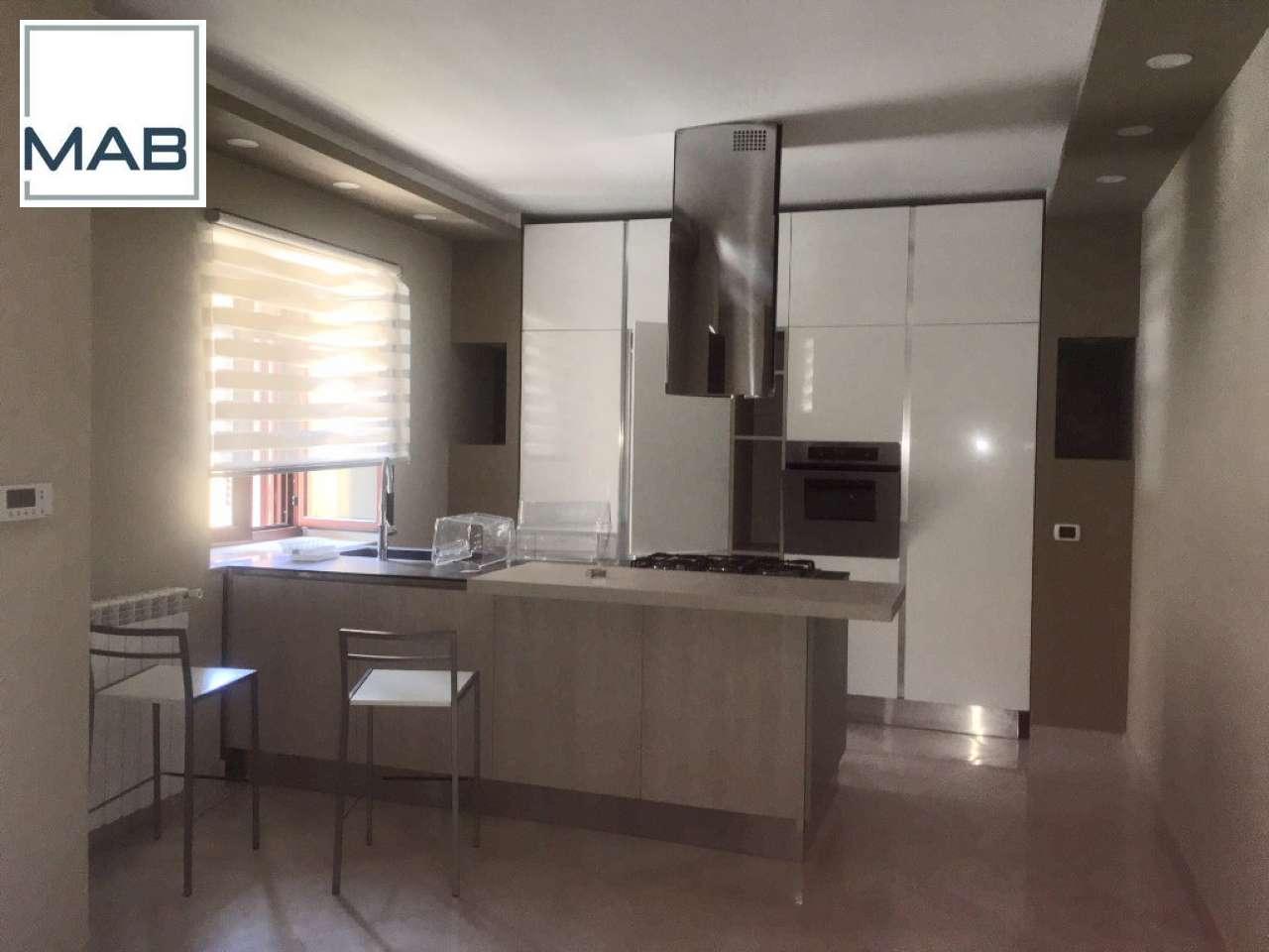 Appartamento in affitto a Mariglianella, 4 locali, prezzo € 650   CambioCasa.it