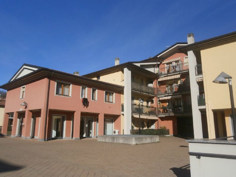 Appartamento in ottime condizioni parzialmente arredato in vendita Rif. 5977370