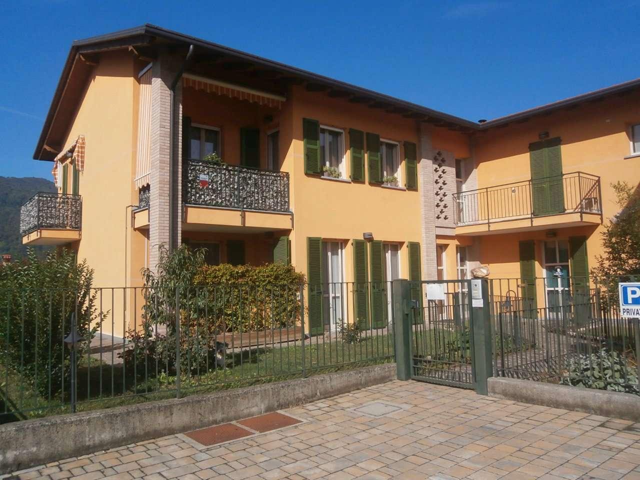 Appartamento in ottime condizioni arredato in vendita Rif. 8142309