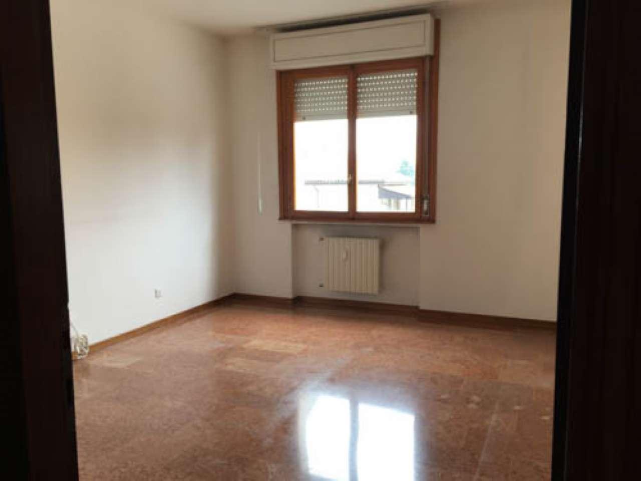 Abano Terme centro appartamento una camera ampi spazi