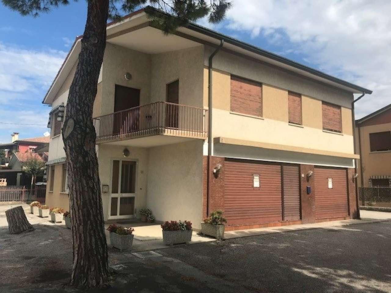 Appartamento in vendita a Curtarolo, 6 locali, prezzo € 95.000 | PortaleAgenzieImmobiliari.it
