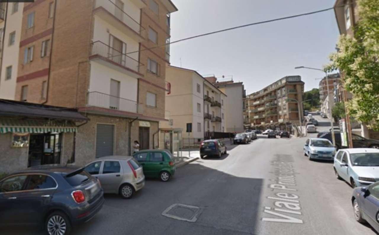 Via P. di Piemonte - Locale commerciale