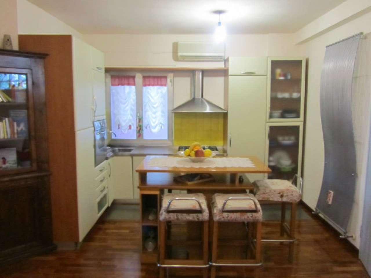 Appartamento ristrutturato parzialmente arredato in vendita Rif. 9349380
