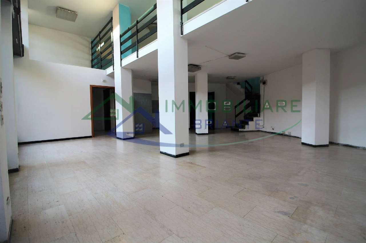 Negozio / Locale in vendita a Somma Lombardo, 2 locali, prezzo € 75.000 | PortaleAgenzieImmobiliari.it