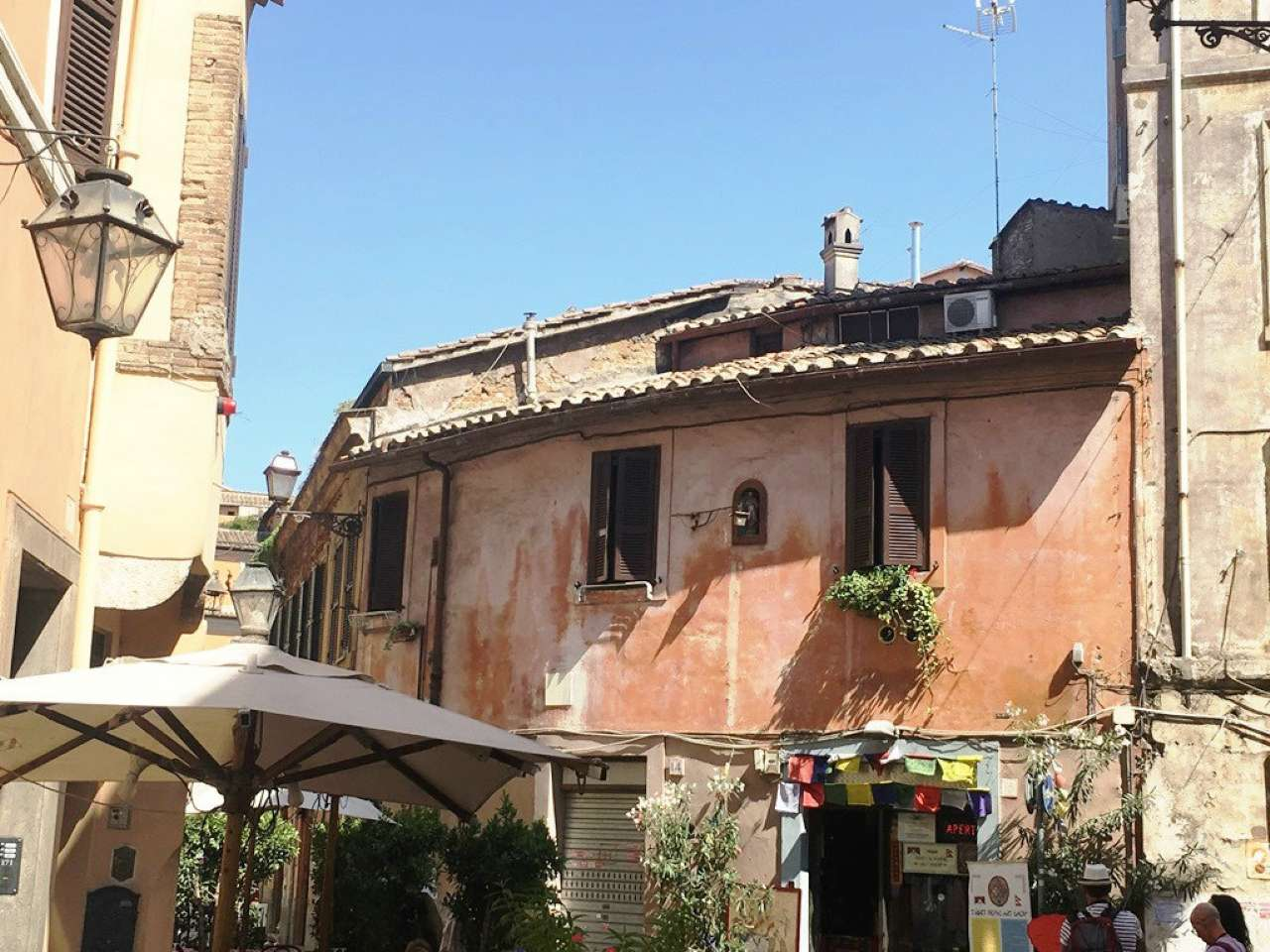 Appartamento in vendita a Roma, 5 locali, zona Zona: 25 . Trastevere - Testaccio, prezzo € 590.000 | CambioCasa.it
