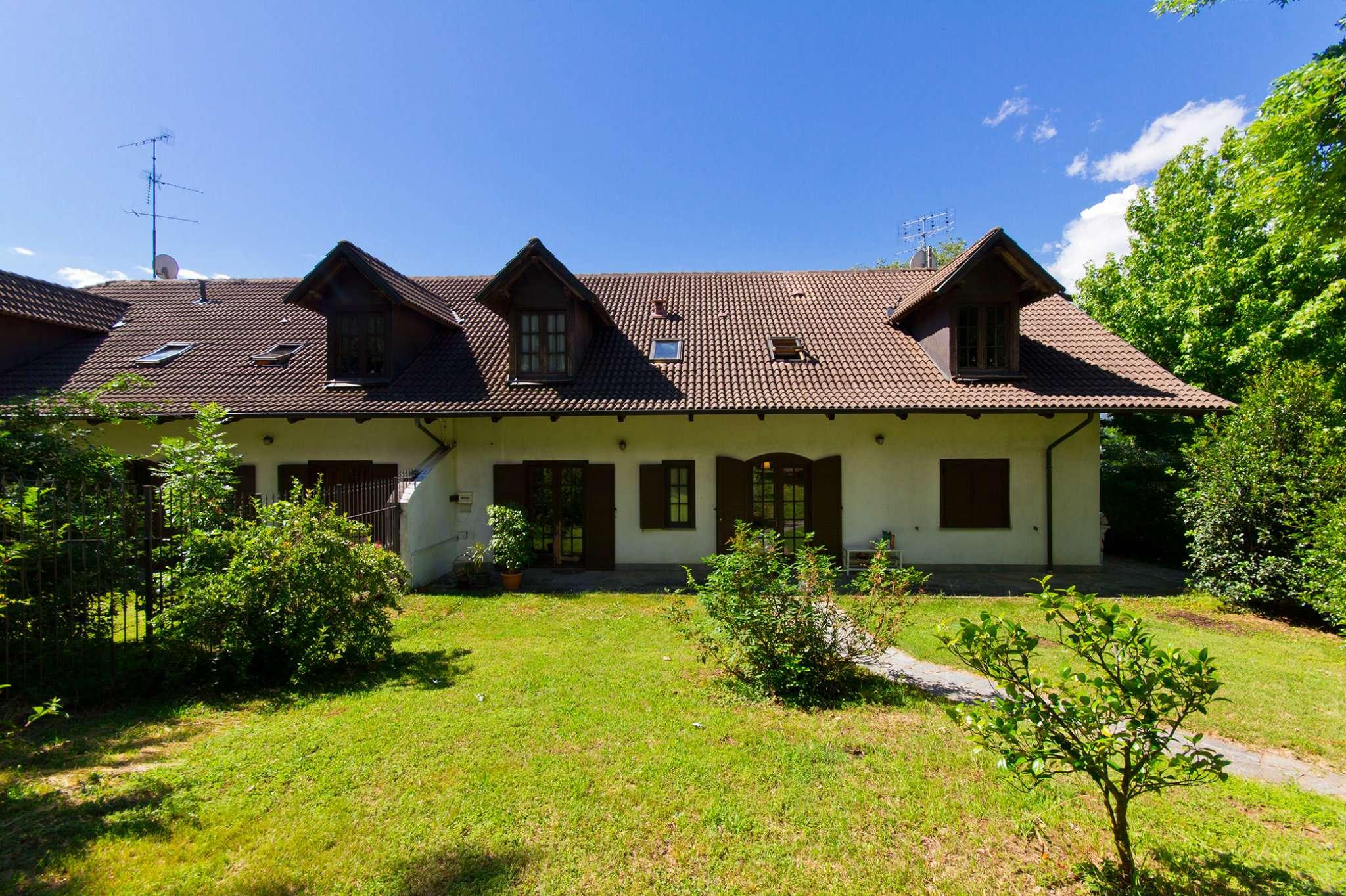 Villa in vendita a Almese, 10 locali, prezzo € 525.000 | CambioCasa.it