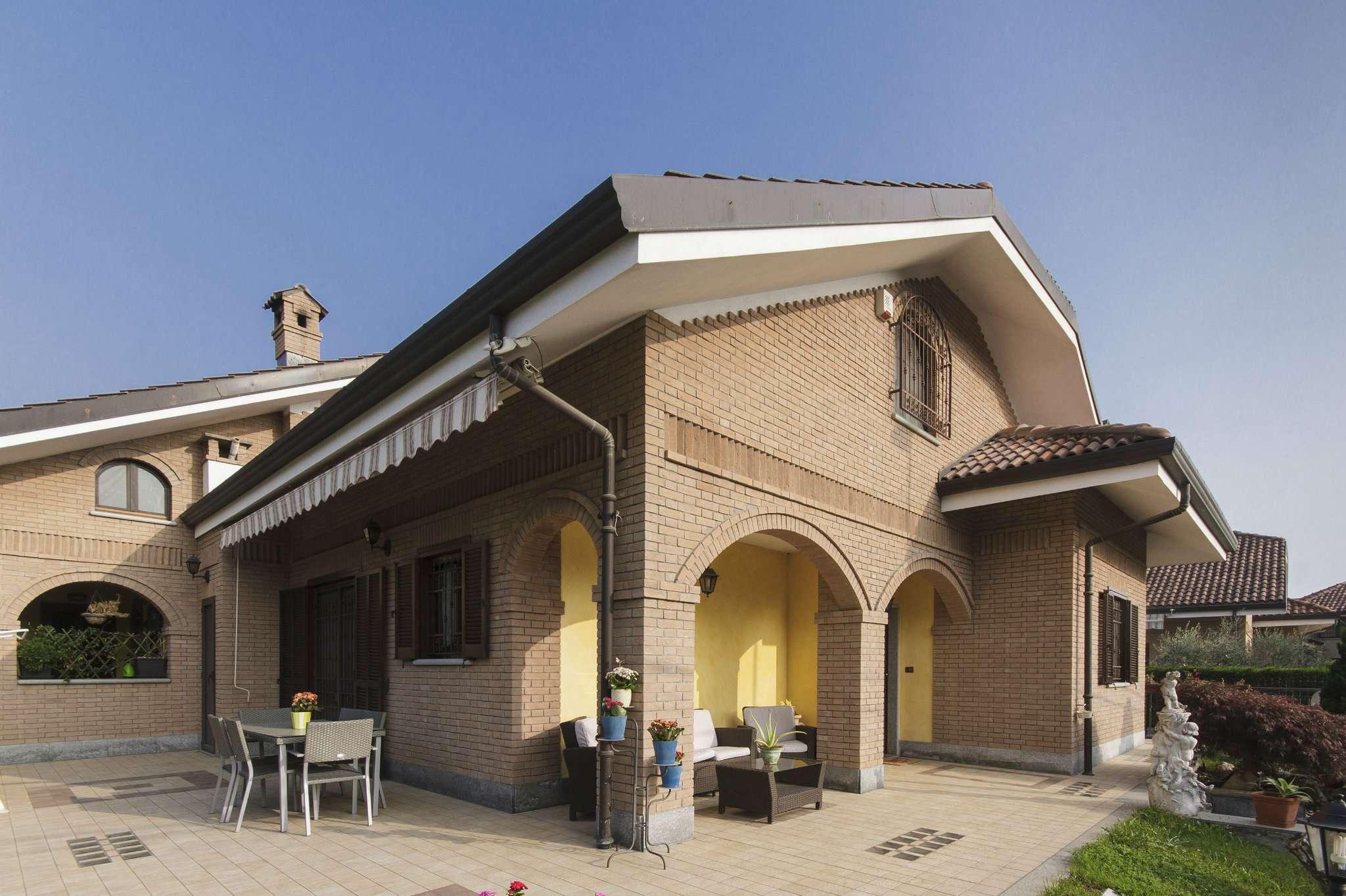 Villa in vendita a Pianezza, 6 locali, prezzo € 570.000   CambioCasa.it