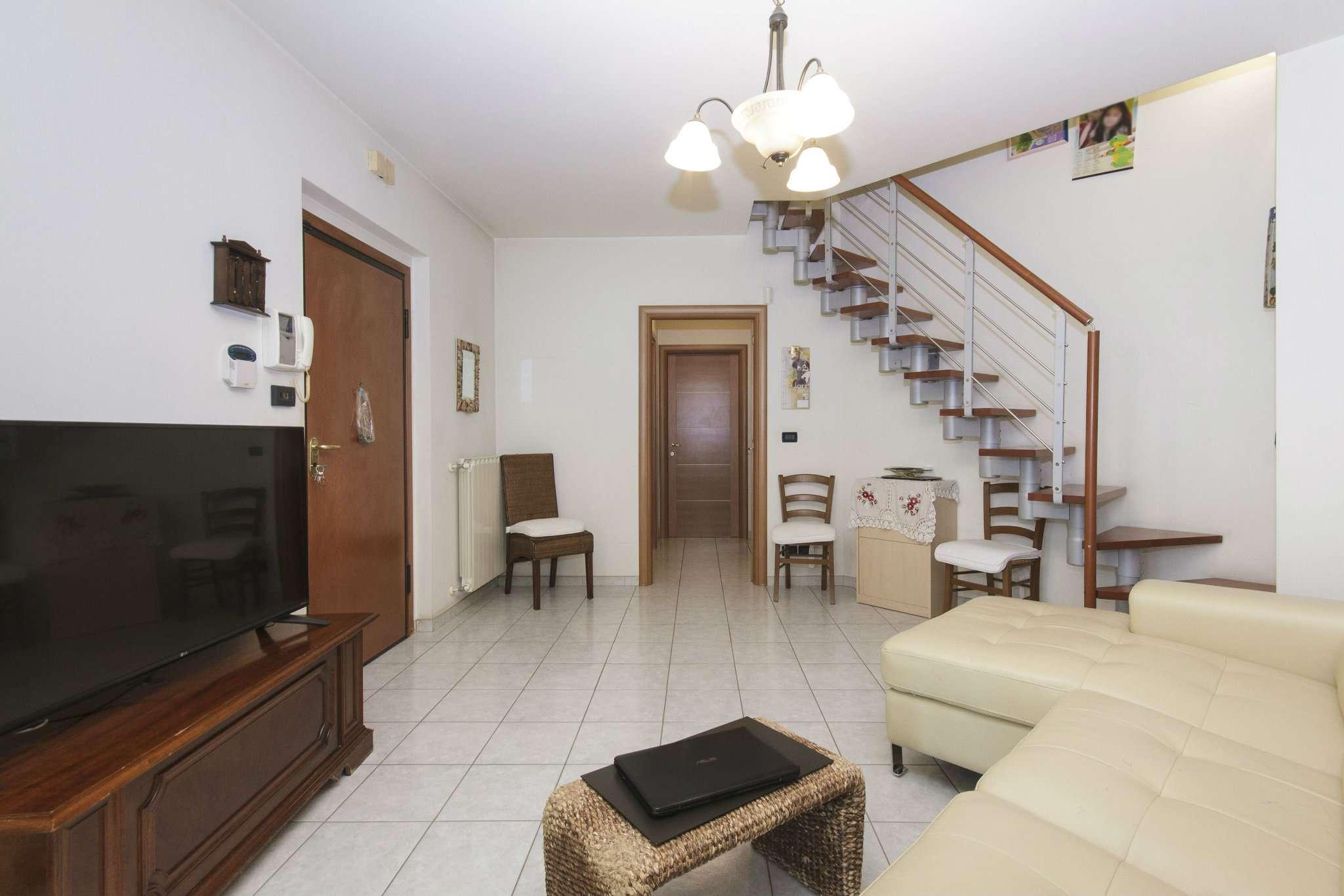 Appartamento in vendita a Pianezza, 4 locali, prezzo € 215.000   CambioCasa.it