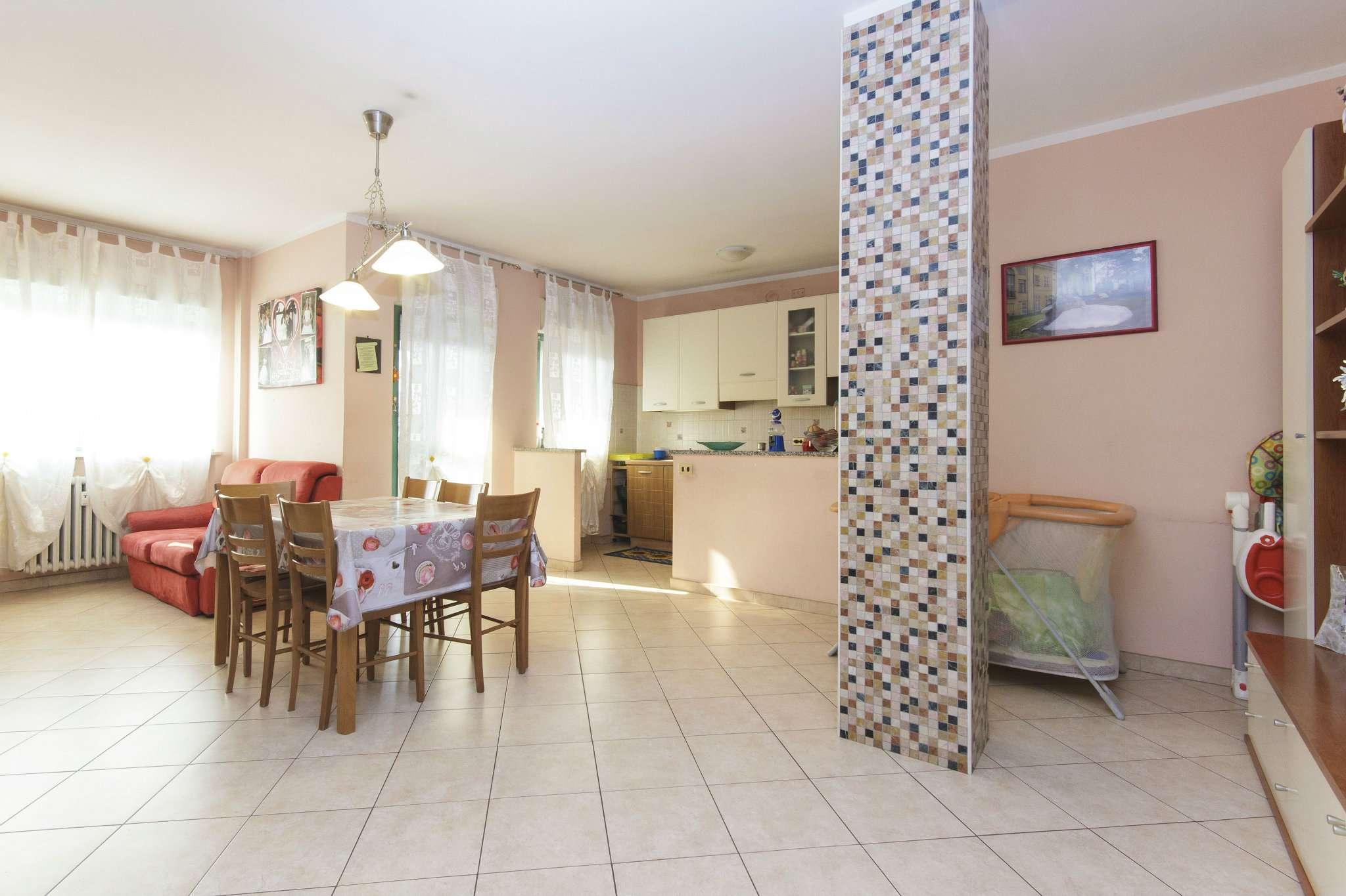 Appartamento in vendita a Pianezza, 4 locali, prezzo € 134.000 | CambioCasa.it