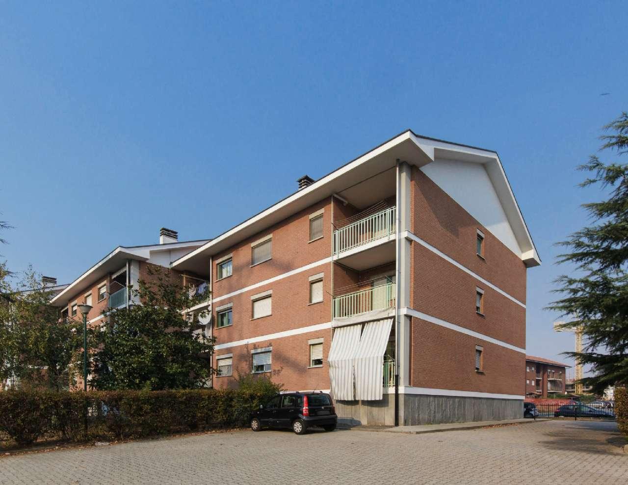 Appartamento in vendita a Pianezza, 4 locali, prezzo € 139.000   CambioCasa.it