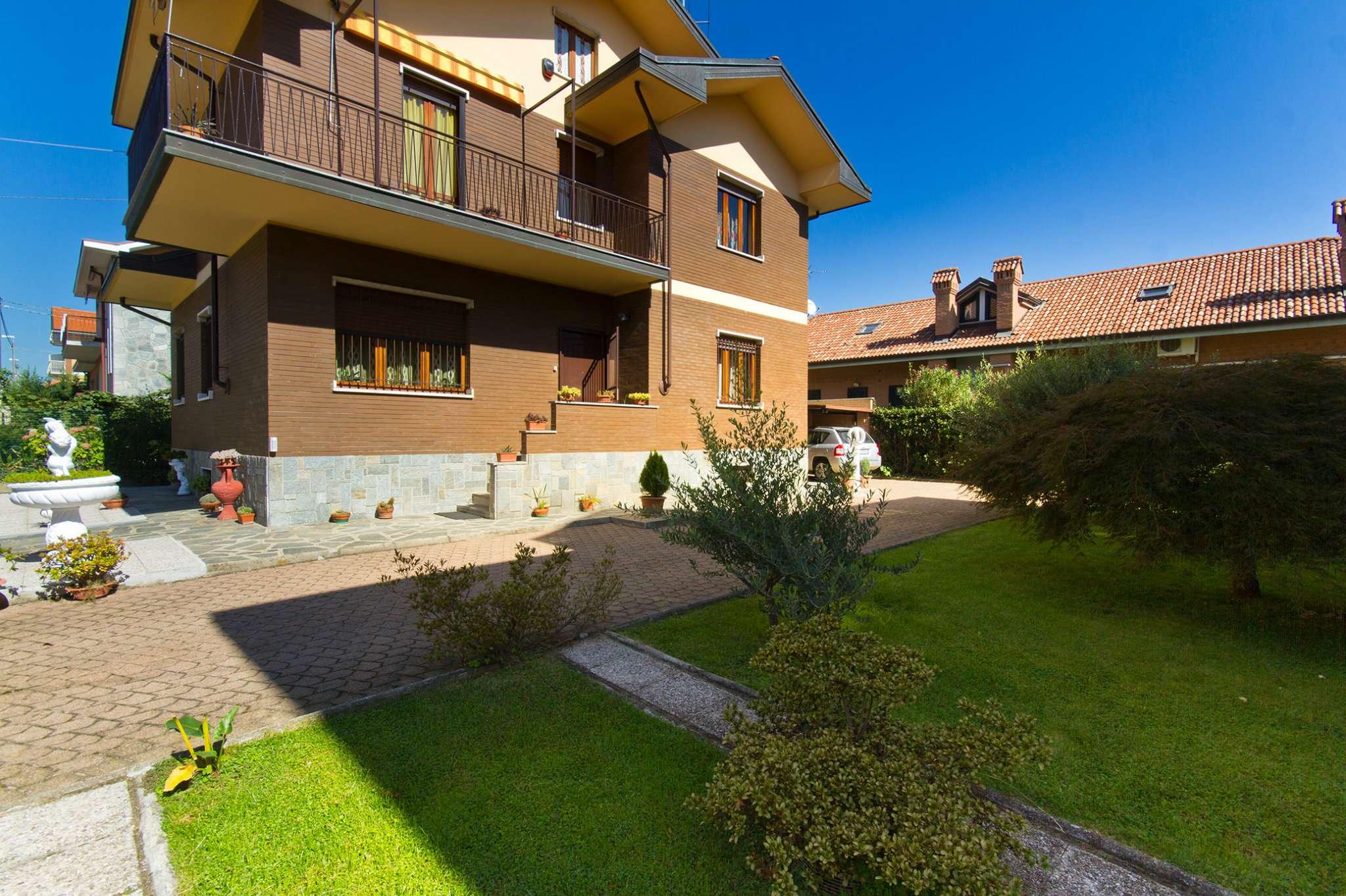 Villa Bifamiliare in vendita a Pianezza, 8 locali, prezzo € 399.000 | CambioCasa.it
