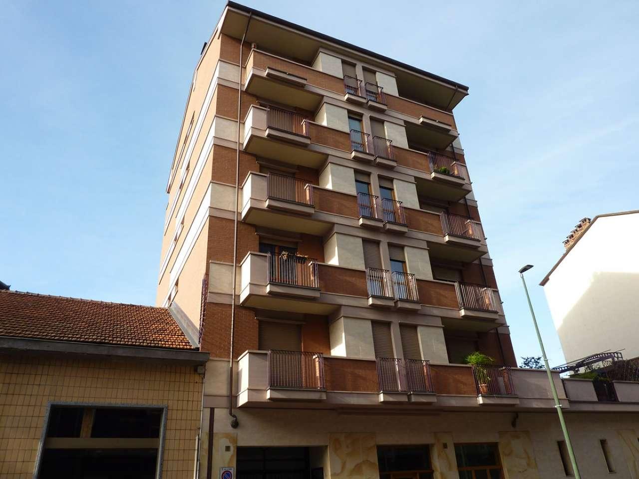 Appartamento in ottime condizioni parzialmente arredato in affitto Rif. 9126441