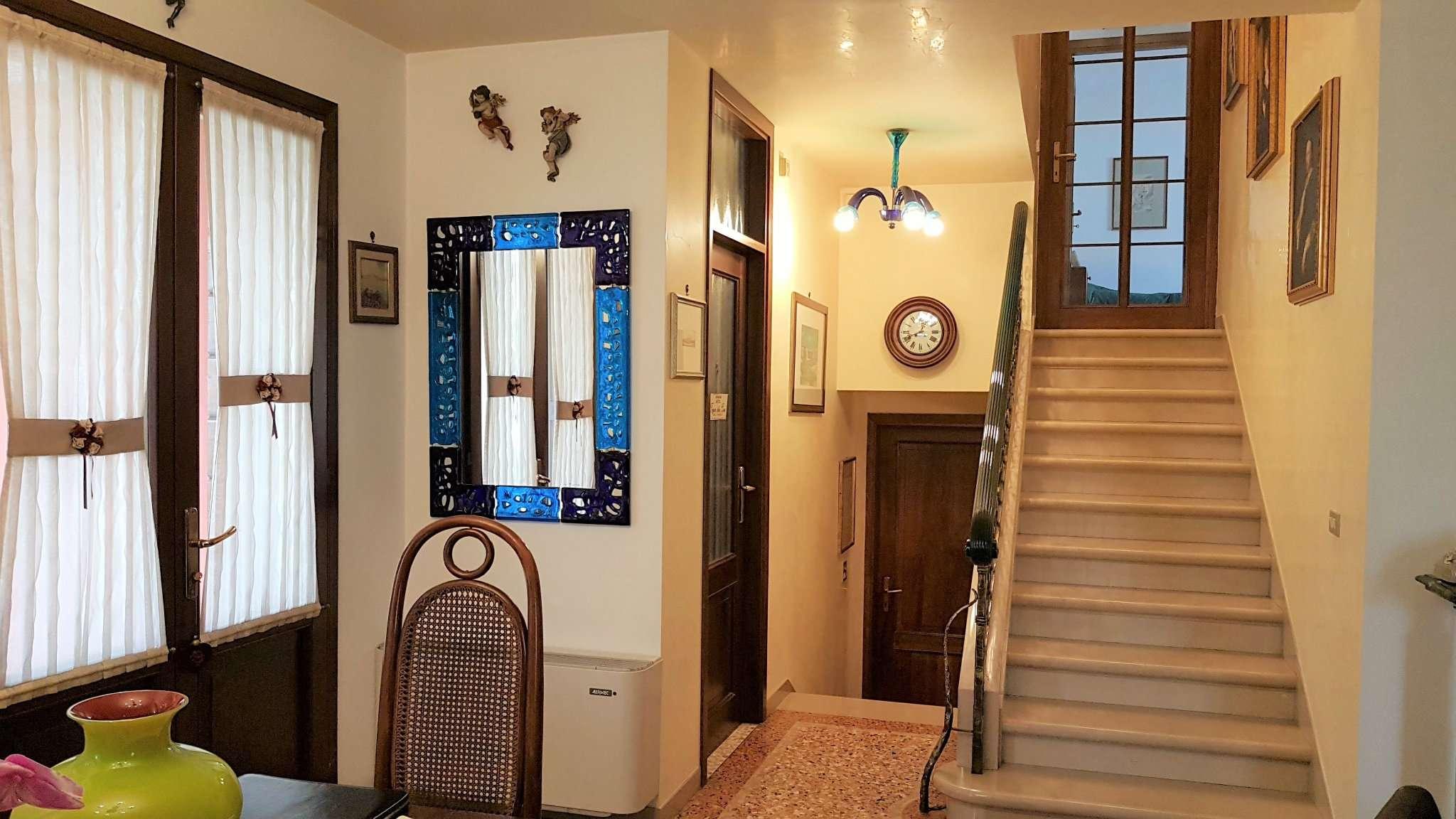 Soluzione Semindipendente in vendita a Santa Maria di Sala, 9999 locali, prezzo € 278.000 | CambioCasa.it