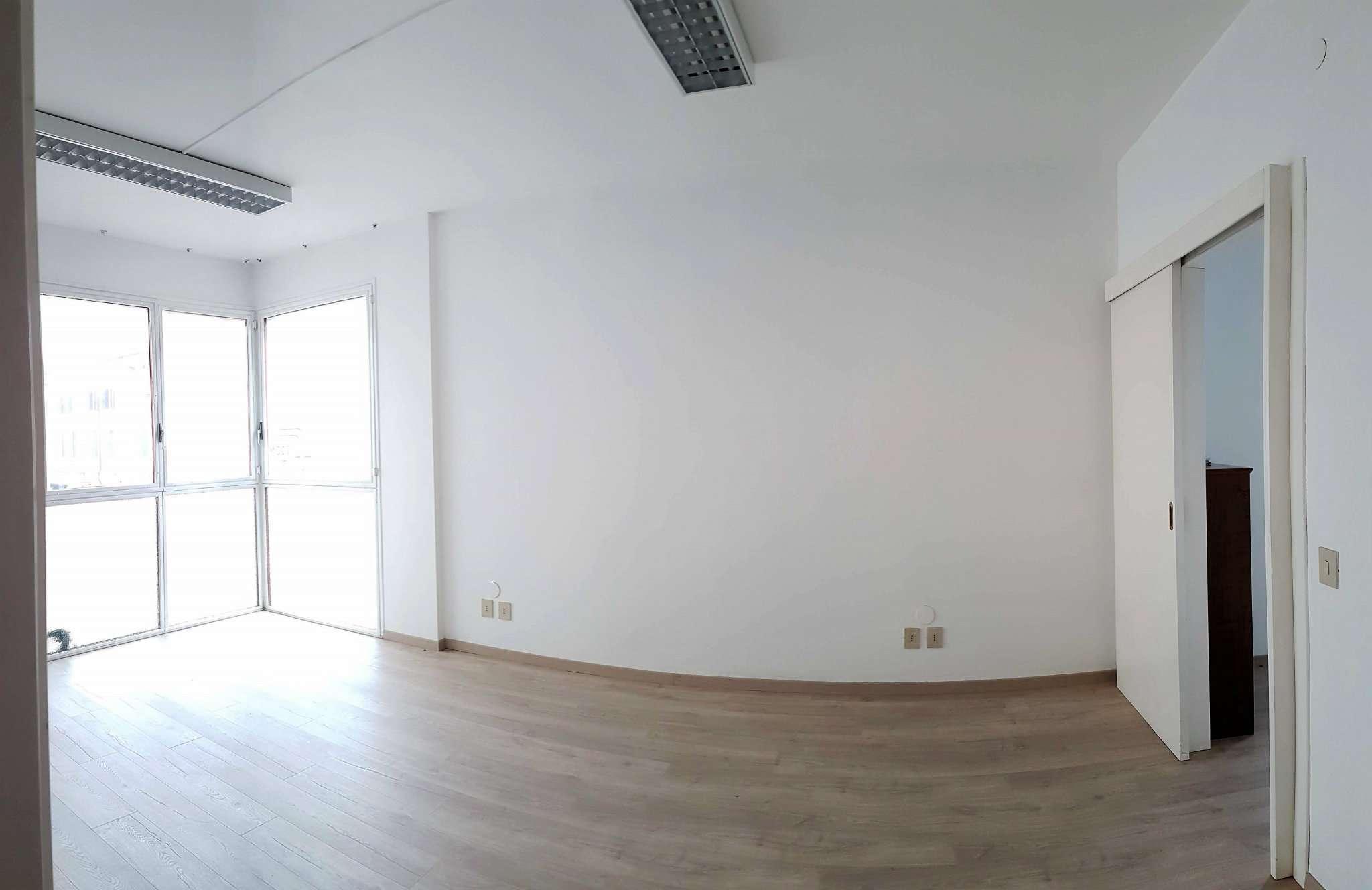 Ufficio / Studio in affitto a Mirano, 9999 locali, prezzo € 600 | CambioCasa.it