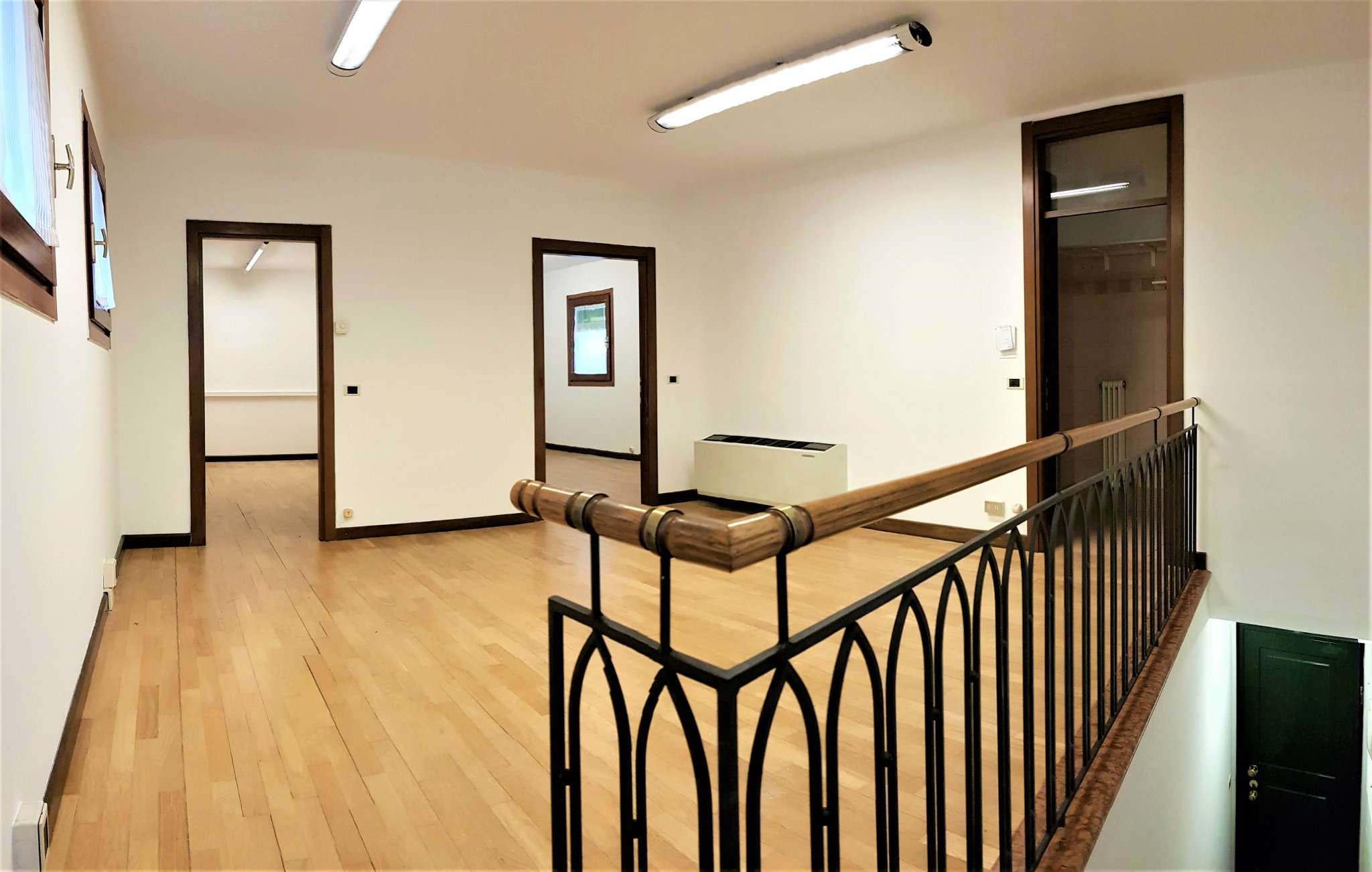 Ufficio / Studio in affitto a Mirano, 9999 locali, prezzo € 550 | CambioCasa.it