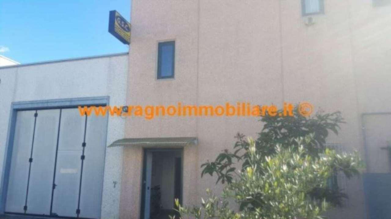 Capannone in vendita a Casarile, 2 locali, prezzo € 249.000 | PortaleAgenzieImmobiliari.it