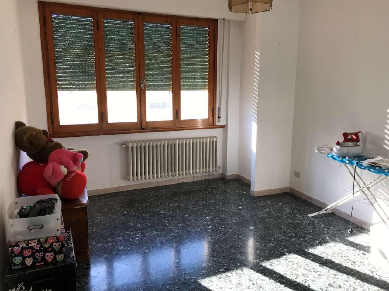 Appartamento in buone condizioni in affitto Rif. 8925920
