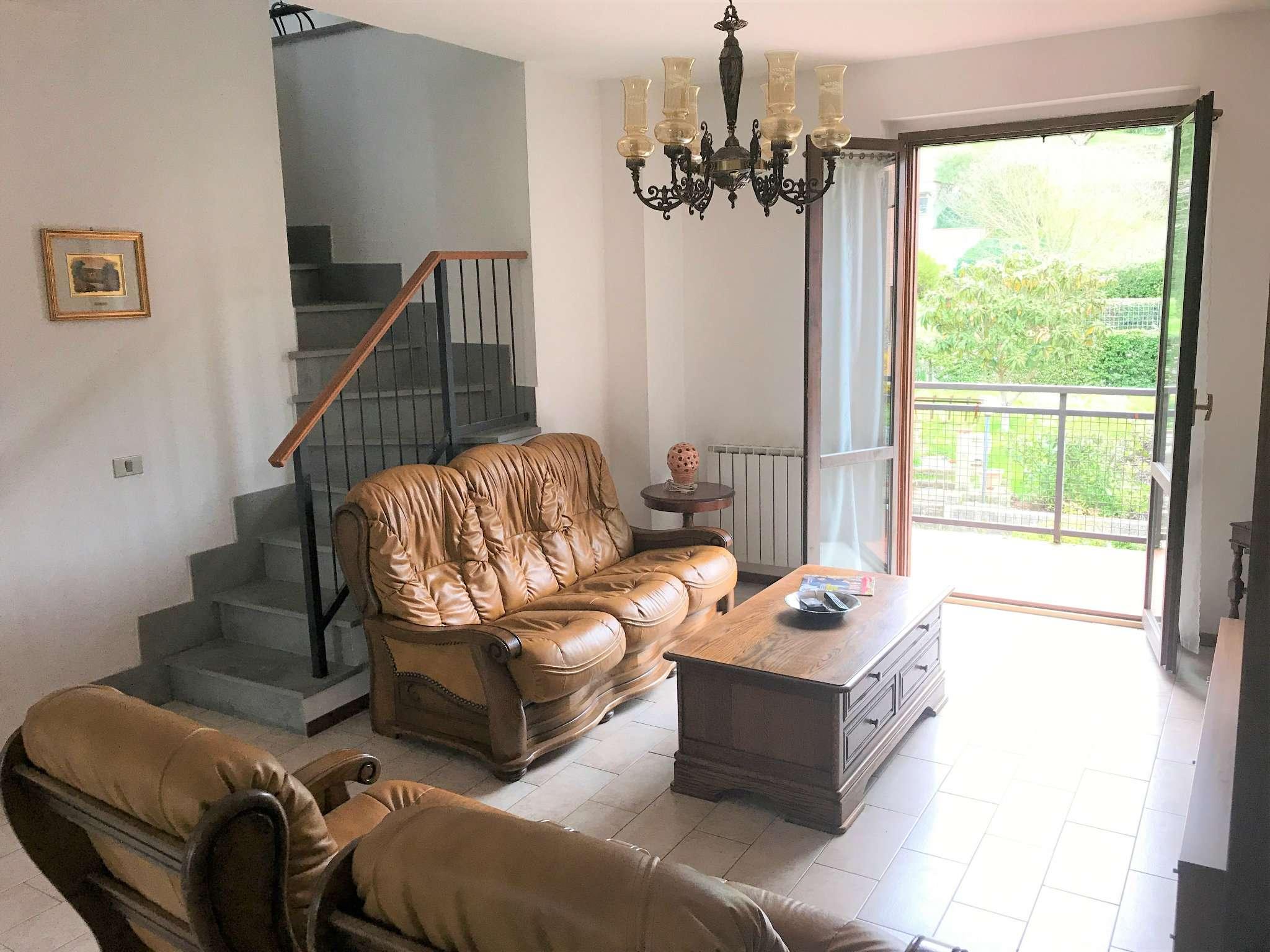 Appartemento di 100 mq con mansarda, garage, cantina e giardino