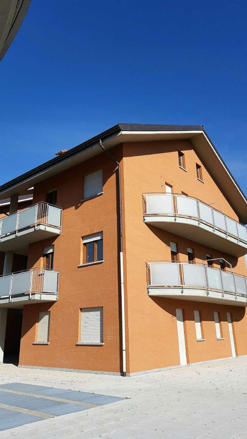 Palazzo / Stabile in Vendita a Rivarolo Canavese