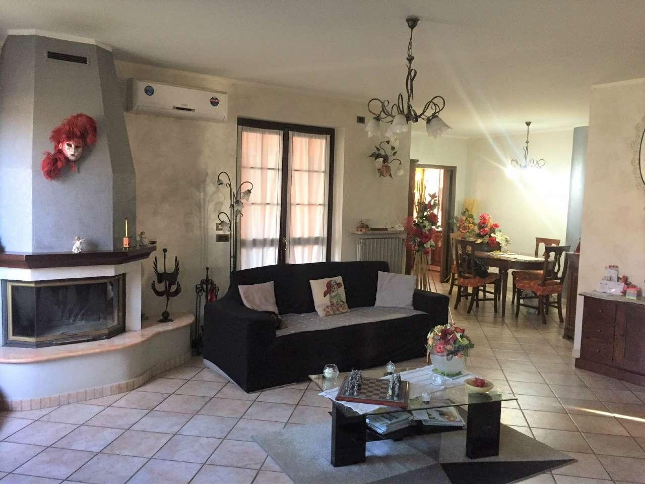 Villa Bifamiliare in Vendita a Santena