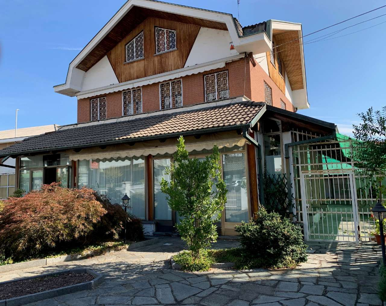 Villa in vendita a Borgaro Torinese, 7 locali, prezzo € 370.000 | CambioCasa.it