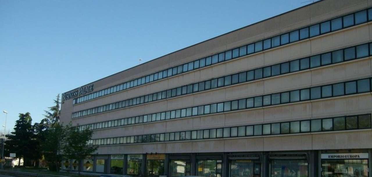 Negozio / Locale in affitto a Rivoli, 9999 locali, prezzo € 1.100 | PortaleAgenzieImmobiliari.it