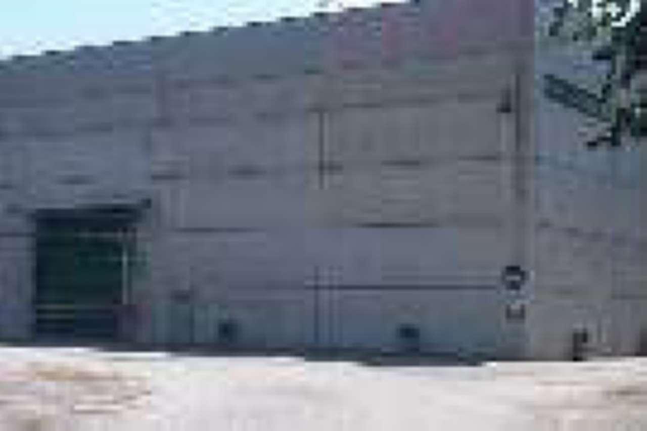 Capannone in vendita a Pont-Canavese, 9999 locali, Trattative riservate | PortaleAgenzieImmobiliari.it