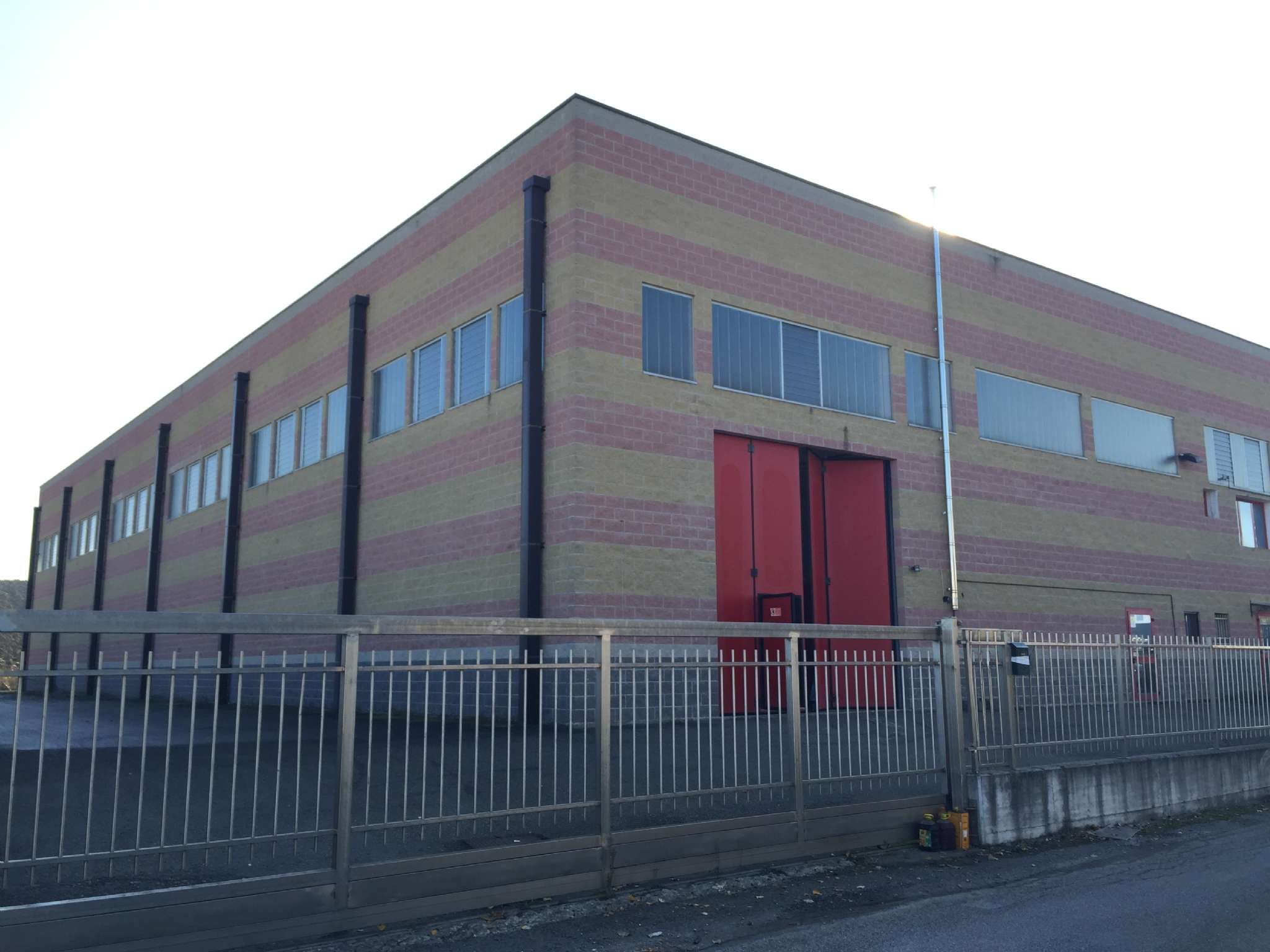 Capannone in vendita a Carbonara Scrivia, 2 locali, Trattative riservate | PortaleAgenzieImmobiliari.it